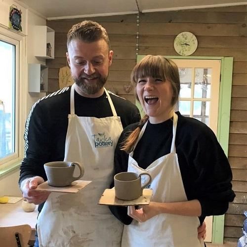 pottery throwdown decorate